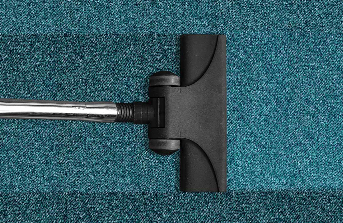 Teppichboden- und Polstermöbelreinigung