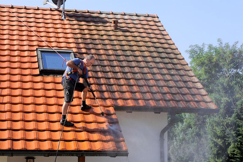 Dach-, Fenster-, Glas- und Fassadenreinigung